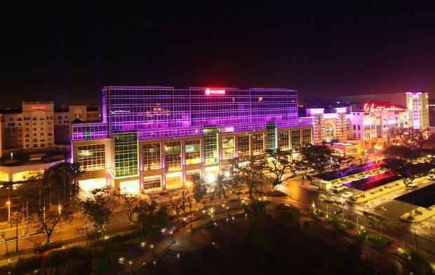 Resorts-World-Manila-e1431918903415